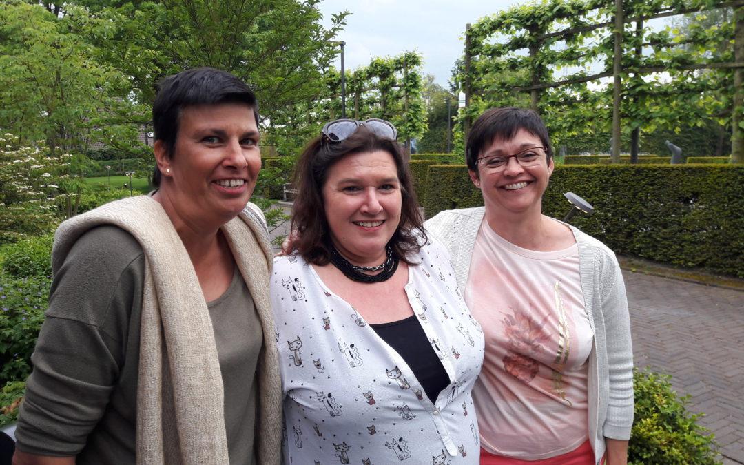 bestuursleden Katia, Vera en Mieke